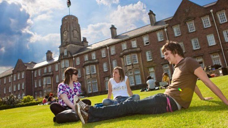 Yurt Dışında Üniversite Eğitimi Almak İsteyenler Nelere Dikkat Etmelidir?